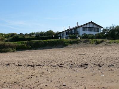 La maison Kostako Exea au bord de la plage d'Erromardie