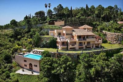 Breath-taking views and unsurpassed luxury await you at Gran Hacienda Florentina