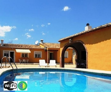 Villa Pla. Jalon/Xalo (Alicante)