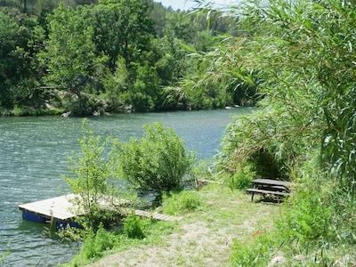 """ponton et plage privée de la villa """"le pivert"""""""