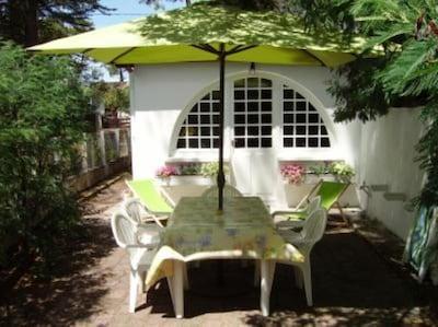 Maison avec terrasse à 80 mètres de la plage