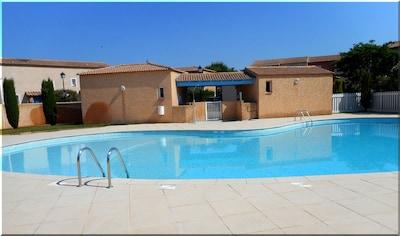 La piscine sécurisée : à 30 m de la maison !