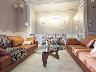 Apartment Barcelona Rentals -Apartment in Rambla Catalunya city center for 8 pax