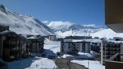 Vue montagne au pied des pistes.