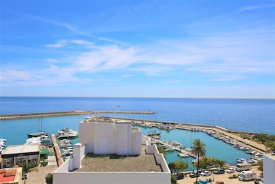 Stunning sea views and harbour views from the roof terrace