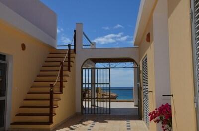Le patio avec l'accès au solarium
