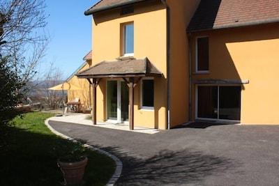Curley: Belle maison dans les hautes côtes de Gevrey-Chambertin