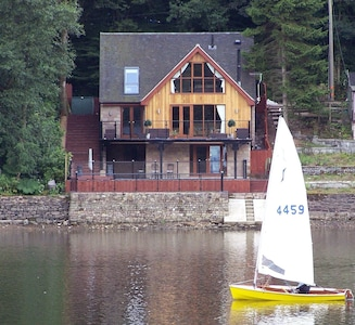 Detached House Directly on Rudyard Lake, Staffordshire Moorlands