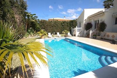 Villa privada de lujo, La Cala, 150 metros de playa, piscina aislada, wifi, golf