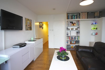 Spacious and modern studio flat in central London