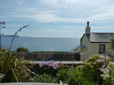 Pretty Cottage With Uninterrupted Sea Views