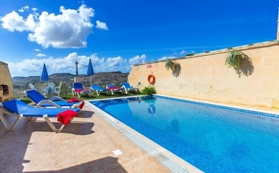 Ta Danjela villa with private pool and close to the sea and historical places