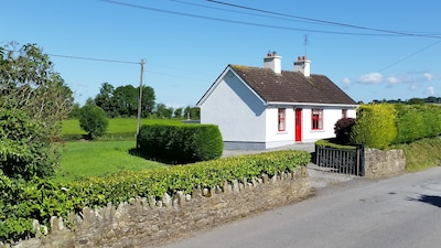 Holiday rental midway between east and west coast of Ireland