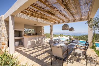 Hacienda NOA/secluded estate/practice golf/enjoy the view and great pool