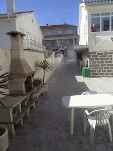 Vue entrée résidence pour accès aux appartements