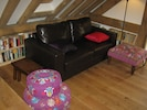 SITTIN AREA WITH DOUBLE SOFA BED (within open plan)