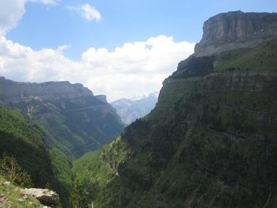 En el Medio de los Pirineos españoles