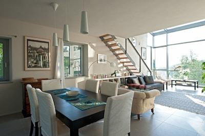 Architetto Design House In Due acri di ulivi e alberi da frutto