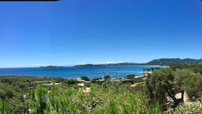 Vue panoramique sur la mer de la maison