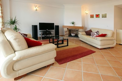 Luxury Apartment With Roof Terrace at Vila Sol, Vilamoura