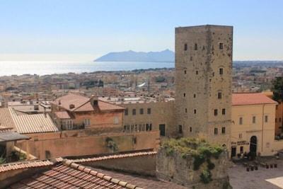 Appartamento luminoso e arioso nell'accogliente centro storico di Terracina