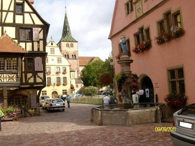 Un village touristique réputé pour son veilleur de nuit !!!