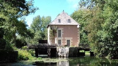 Touraine, Veigne, Indre-et-Loire, France