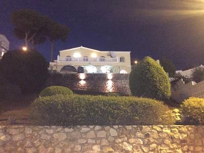 Villa mit eigenem Pool (optional beheizbar) und herrlichem Meerblick - tolle Lage