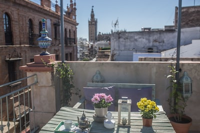 Awesome Penthouse with terraces and views of the Cathedral. Excellent Location