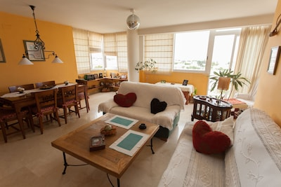 Nice room for rent with bathroom in Urb. With pool and next to the beach