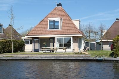 Station Leeuwarden, Leeuwarden, Friesland, Nederland