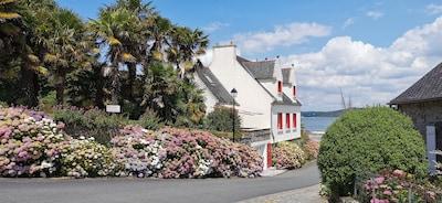 Villa L'Oasis face au port et la grève de Landevennec