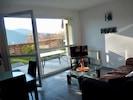 Coté salon avec vue sur le lac