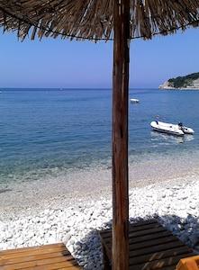 Beach Kruce 200 m from the villa Neda