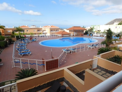 Spacious and luxurious apartment with large terrace south pool and ocean view