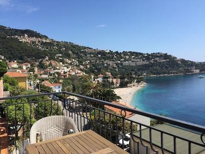 quartier calme avec vue sur la mer à 2 pas de la plage