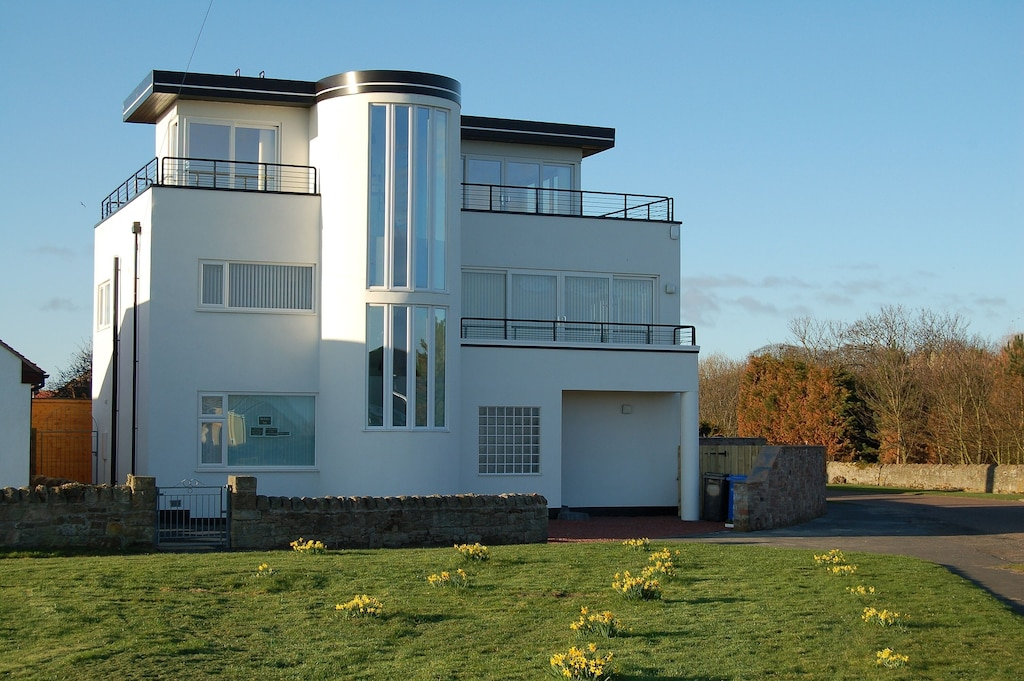 Luxury Art Deco House Directly Opposite The Beach Three Day Cleaning Interval Beadnell