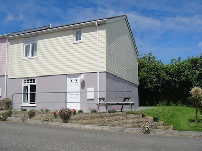 Holiday home with leisure facilities, including indoor and outdoor swimming pool