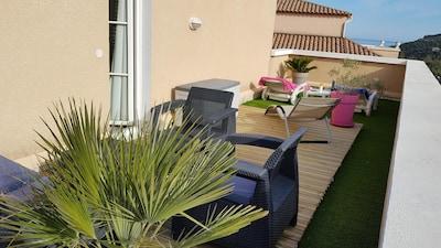 Magnífico dúplex T3 con relajante terraza de 30 m2.