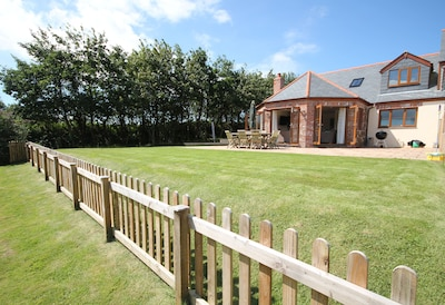 Luxury house near Rock with beautiful countryside views - perfect for 2 families