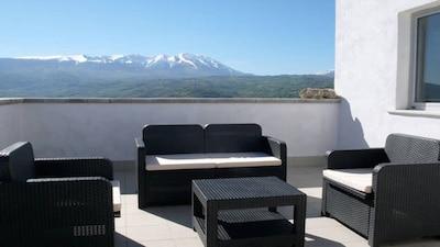 Bellissima Casa Vacanza isolata e indipendente con patio esterno e terrazzo