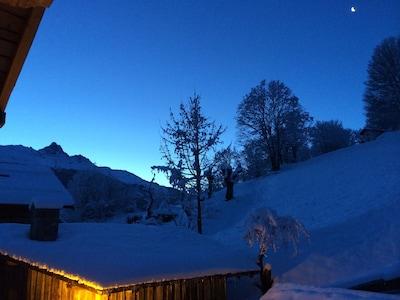 Vue au petit matin pour les lèves-tôt avant le lever du soleil