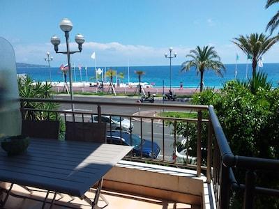 balcon, vue mer promenade des Anglais