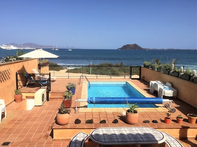 View from lounge to terrace and beach