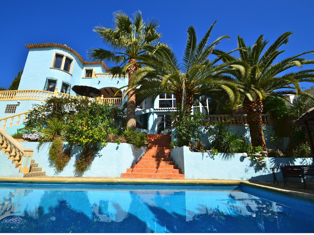 Live In A Spanish Mansion Hot Tub Large Pool Multiple Entertaining Areas Teulada