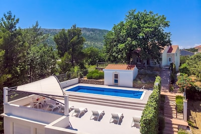 VILLA PROVOŠ-Spacious sun deck area, 40m2 pool, sauna place and upstairs living area and shaded, outdoor dining area