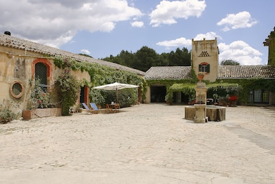 Masseria Floresta Haus Barn