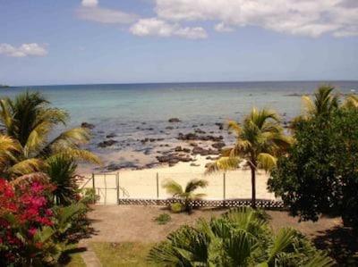 Sea view in front of villa