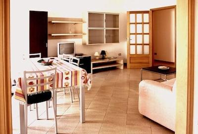 Grande Appartamento in Centro, Ampio & Luminoso.