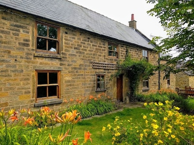 Beautifully Renovated Grade II Listed Farmhouse On The Edge Of The Peak District